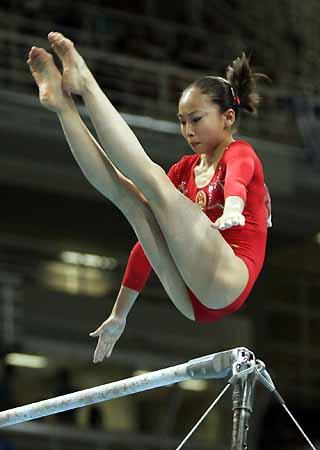 图文 中国女子体操队征战奥运