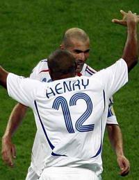 世界杯-齐达内助攻亨利破门法国再克巴西杀进4强