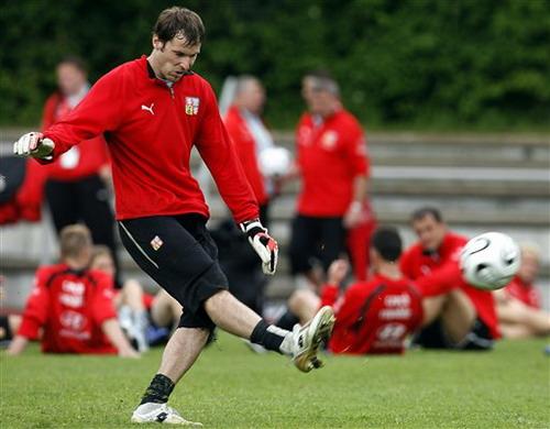 切赫自信捷克已不惧任何对手称在切尔西踢球获得力量