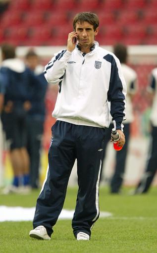 内维尔无缘对阵厄瓜多尔费迪南德伤愈归来助阵英格兰