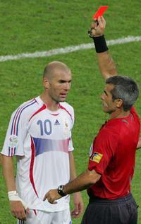 世界杯-齐达内进球却染红意大利点球胜法国夺冠
