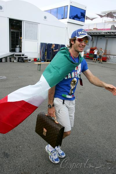 特鲁利:意大利赢得道义上的胜利我不能原谅齐达内