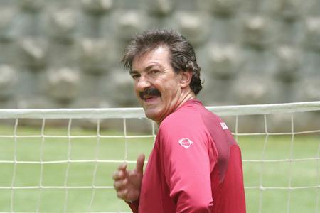 图文-世界杯32强主教练风采墨西哥主帅拉沃尔佩