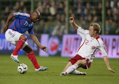 图文-[热身赛]法国2-0丹麦维尔托德也要表演一番