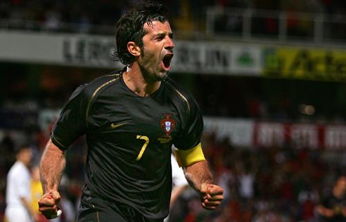 图文-[热身赛]葡萄牙3-0卢森堡菲戈怒吼欢庆进球