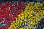 图文-新浪现场直击世界杯开幕式球迷队伍整齐划一