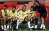 图文-[世界杯]英格兰1-0巴拉圭替补席焦急万分