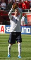 图文-[世界杯]英格兰1-0巴拉圭贝克汉姆答谢球迷