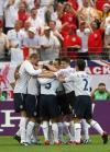 图文-[世界杯]英格兰1-0巴拉圭英格兰欢庆进球