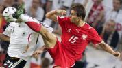 图文-[世界杯]德国VS波兰梅策尔德奋不顾身
