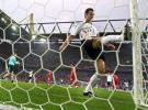 图文-[世界杯]德国VS波兰克洛斯向球门发泄
