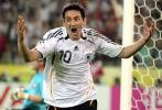图文-[世界杯]德国1-0波兰诺伊维尔补时阶段得分