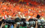 图文-[世界杯]荷兰2-1科特迪瓦摄影记者关注比赛