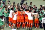 图文-[世界杯]荷兰2-1科特迪瓦为荷兰出线欢呼