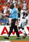 图文-[世界杯]荷兰2-1科特迪瓦蒂齐耶埋怨队友