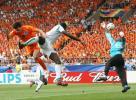 图文-[世界杯]荷兰VS科特迪瓦蒂齐耶飞身救险