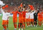 图文-[世界杯]荷兰2-1科特迪瓦荷兰跳起庆祝的舞蹈