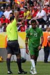 图文-[世界杯]多哥0-2瑞士多哥人罗芒吃到黄牌