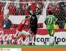 图文-[世界杯]多哥vs瑞士阿加萨举手投降