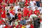 图文-[世界杯]多哥vs瑞士阿加萨稳健接球