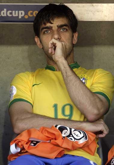 巴西vs澳大利亚 小儒尼尼奥等待上场