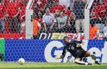 图文-[世界杯]多哥0-2瑞士阿加萨望球兴叹