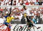 图文-[世界杯]德国VS厄瓜多尔默特萨克头球解围