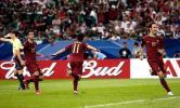 图文-葡萄牙三战全胜晋级16强西芒进球后狂奔