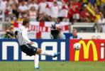 图文-[1/8决赛]英格兰vs厄瓜多尔小贝任意球攻门