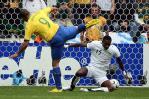 图文-[世界杯]巴西vs加纳罗纳尔多射门瞬间