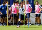 图文-意大利队柏林备战决赛看看他的敏捷身手