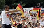 图文-德国国家队盛大庆祝会奥登科尔亲近球迷