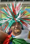 图文-意大利球迷决赛助威期待将士们爆发