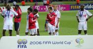 图文-德国世界杯法国屈居亚军亚军奖牌难以抚慰伤口