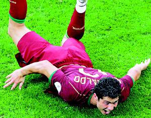 屡屡创造威胁射入制胜点球C罗成葡萄牙新关键先生