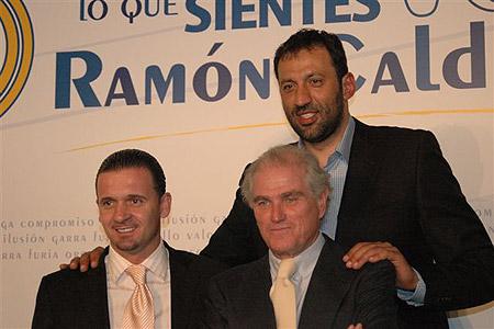 皇马主席证实卡佩罗将抵马德里称全力引进卡卡罗本