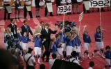 图文-第18届世界杯开幕三届冠军意大利队步入会场