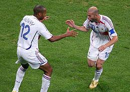 法国双星送球队进决赛
