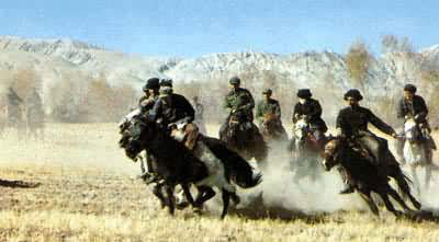塔吉克族:视帕米尔之鹰为英雄节日盛典刁羊不可少