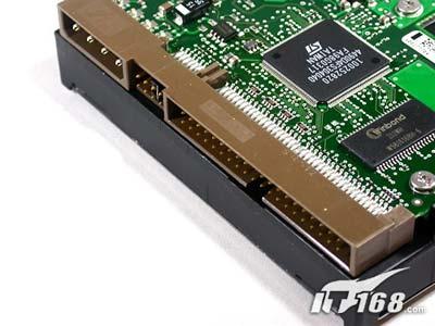 传统的IDE接口硬盘,历史悠久,也最常见桥接芯片常见于SATA硬盘-