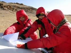 组图:珠峰复测测量篇――藏北找路敢问路在何方