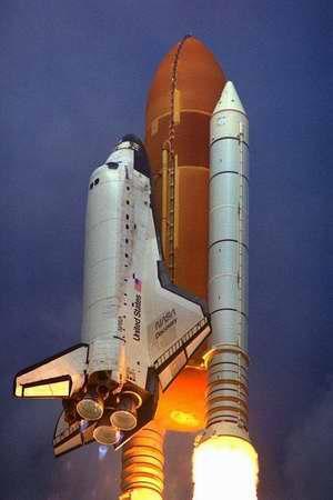 发现号航天飞机被运回肯尼迪航天中心