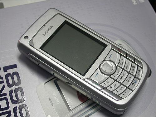 诺基亚手机6681如何将想保存的短信从手机上转存到储存卡上