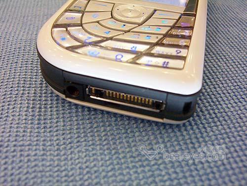 诺基亚百万像素超强手机7610跌破3000元