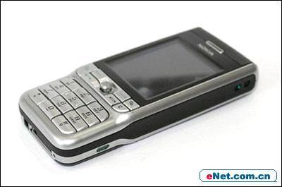 诺基亚百万像素智能手机3230直逼3000大关