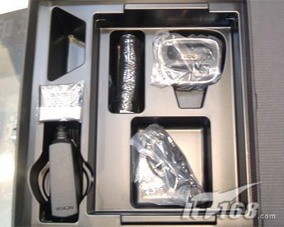 尊贵体验诺基亚金属8800登陆标价8800元