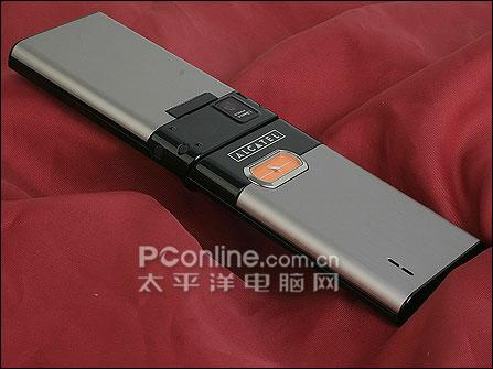 内置石英钟手机阿尔卡特简约折叠S850评测(10)