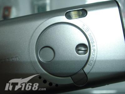 简约直版3G手机索爱K600i到货价2250元