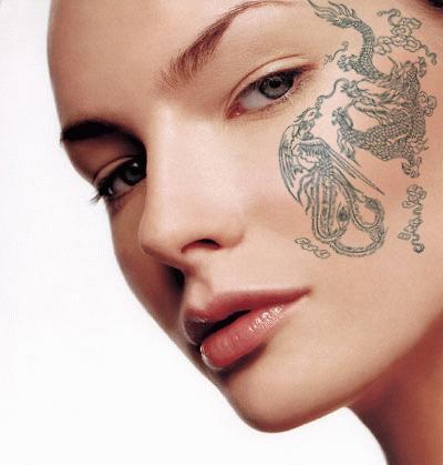 另类感觉:photoshop打造美女性感纹身(3)