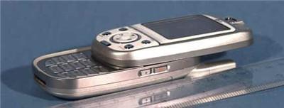 180度旋转摄像头LG滑盖MP3手机CU320曝光